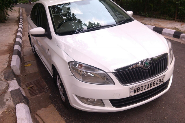 Skoda Rapid Ambition 1.6 MT 2012