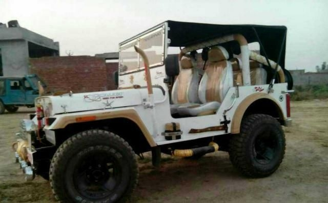 Mahindra Jeep MM 550 2003