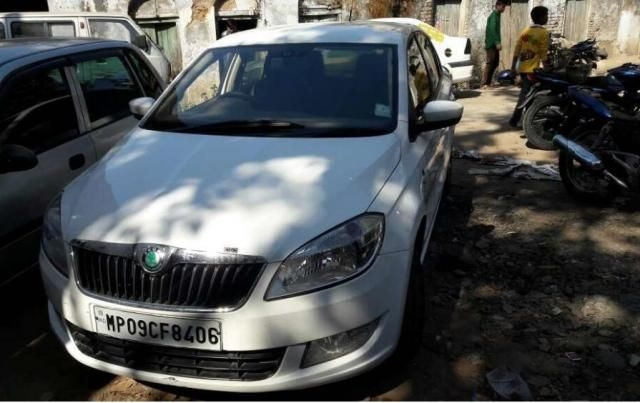 Skoda Rapid 1.6 TDI MT AMBITION PLUS 2012