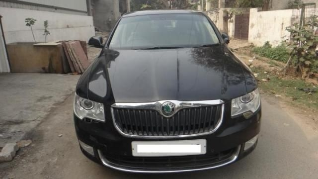 Skoda Superb AMBITION 2.0 TDI CR AT 2014