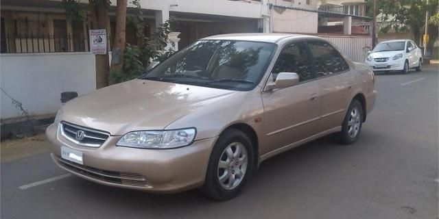 Honda Accord 2.3 VTI L MT 2002