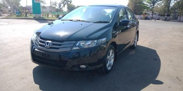 Honda City V AT PETROL 2010