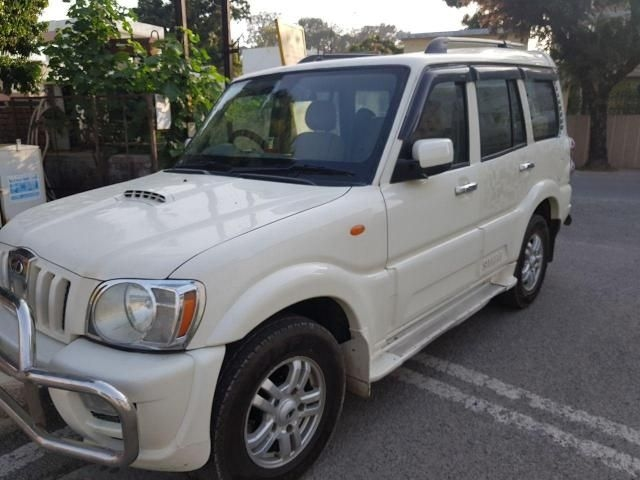 Mahindra Scorpio VLX 2WD AT BS-IV 2012