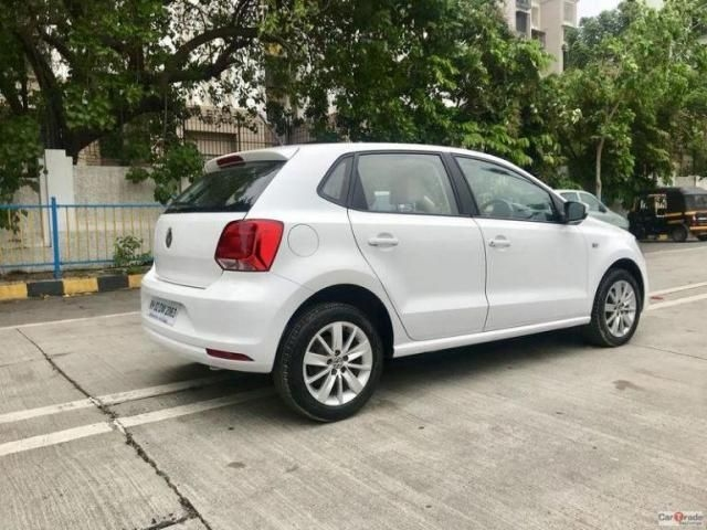 Volkswagen Polo Highline 1.6L (P) 2015