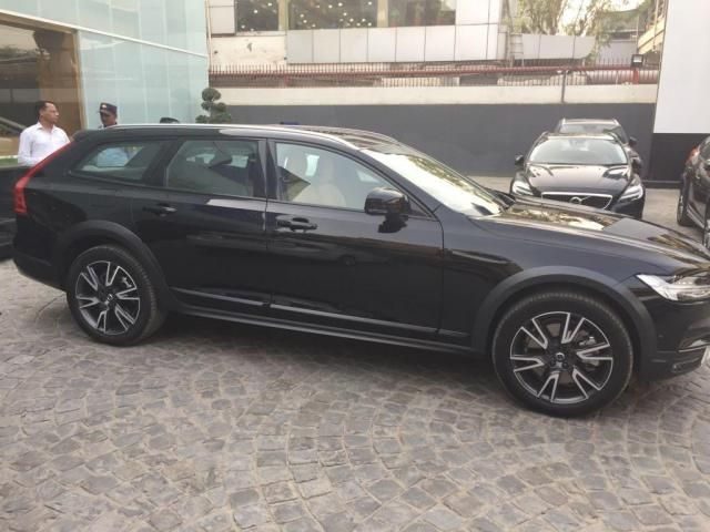 Volvo V90 Cross Country D5 Inscription 2018