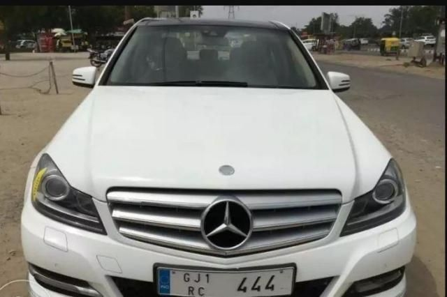 Mercedes-Benz C-Class 220 BlueEfficiency 2013