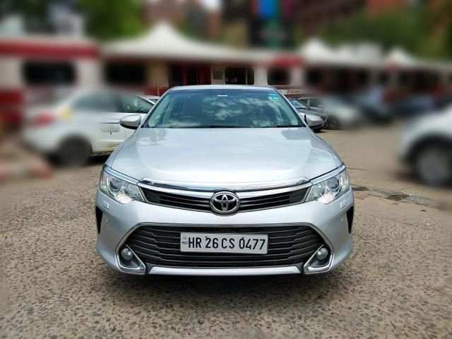Toyota Camry 2.5 G AT 2015