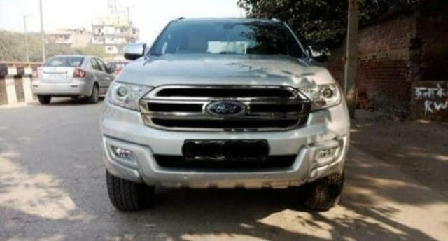 Ford Endeavour Trend 3.2 4x4 AT 2017