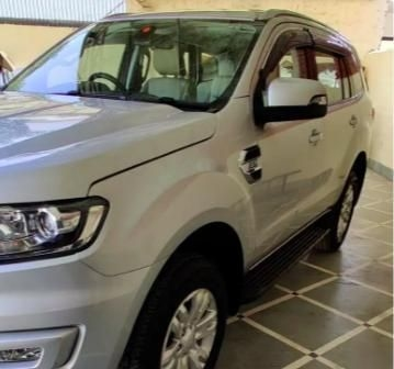 Ford Endeavour Trend 2.2 4x4 MT 2017
