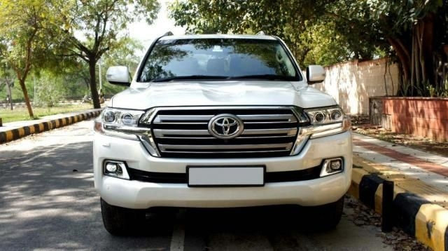 Toyota Land Cruiser LC 200 VX 2016