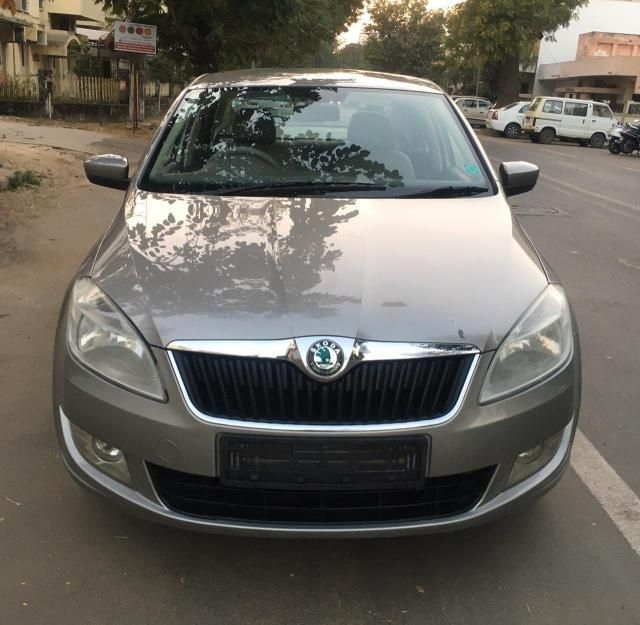 Skoda Rapid 1.6 MPI AMBITION AT 2013